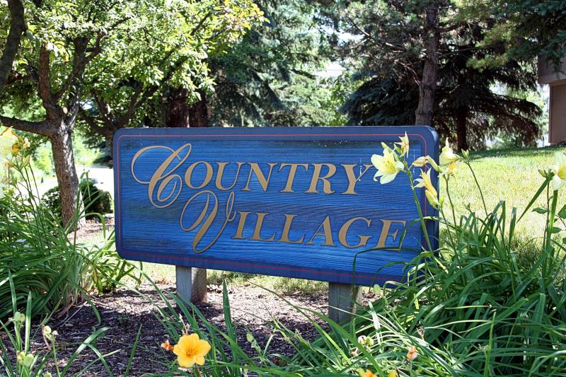 Country Village Condo - Ann Arbor