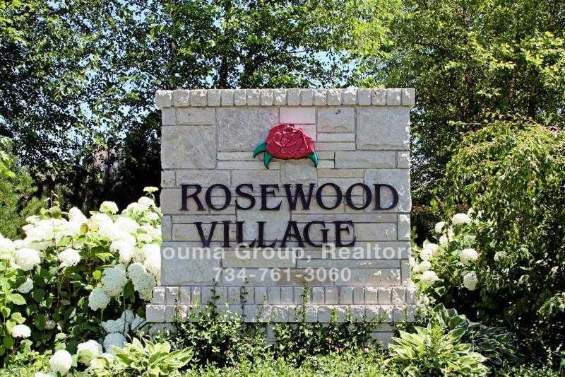 Rosewood Village Condo - Ann Arbor