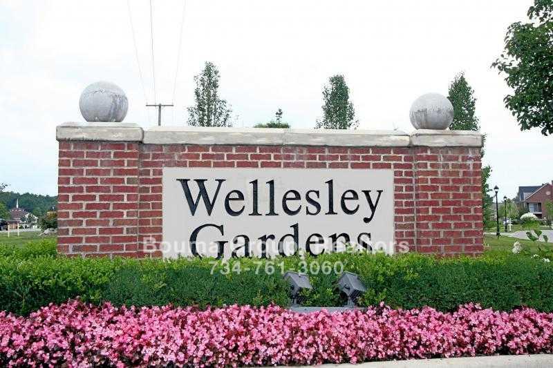 Wellesley Gardens Condo - Ann Arbor