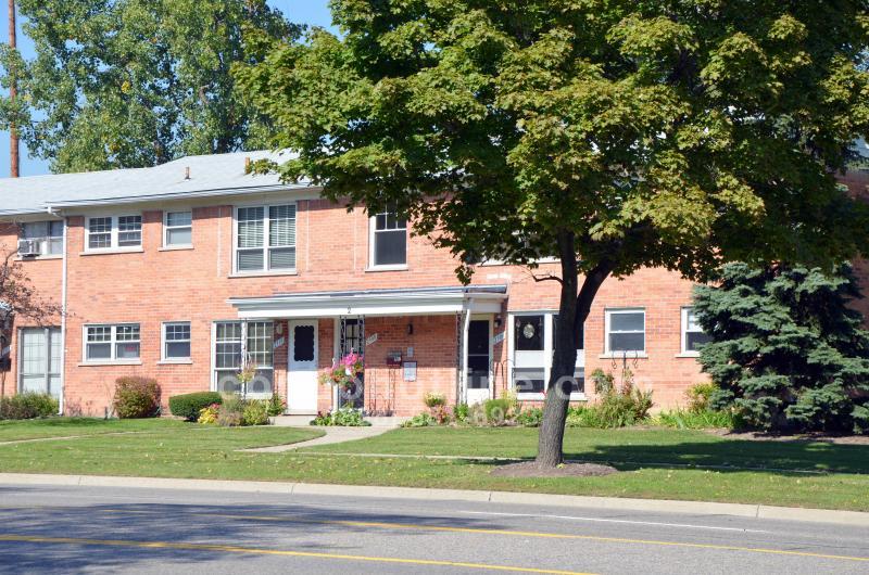 Parkdale Manor Condo - Royal Oak