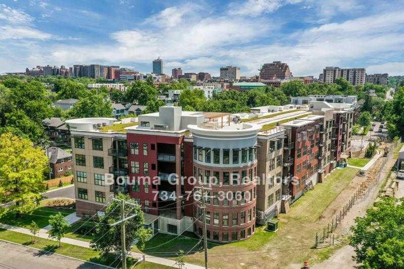 Kingsley Condominiums Condo - Ann Arbor